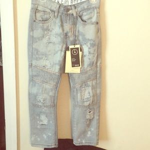 Bottoms - Size 4 slim fit distressed jeans